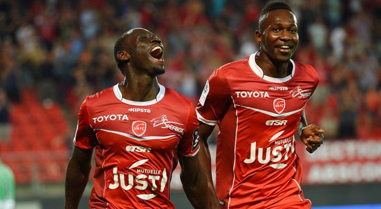 Victoire du VAFC contre Laval 2-0
