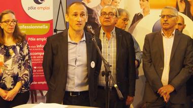 Au pupitre, Franck Wignolle, directeur adjoint du pôle emploi de Valenciennes