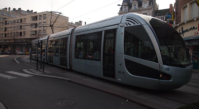 Le tramway ne s'arrête plus (provisoirement) à la station Hôtel de Ville à Valenciennes (Vidéo)