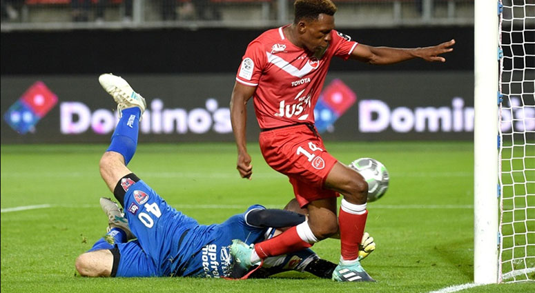 Pas de but entre le VAFC et Clermont