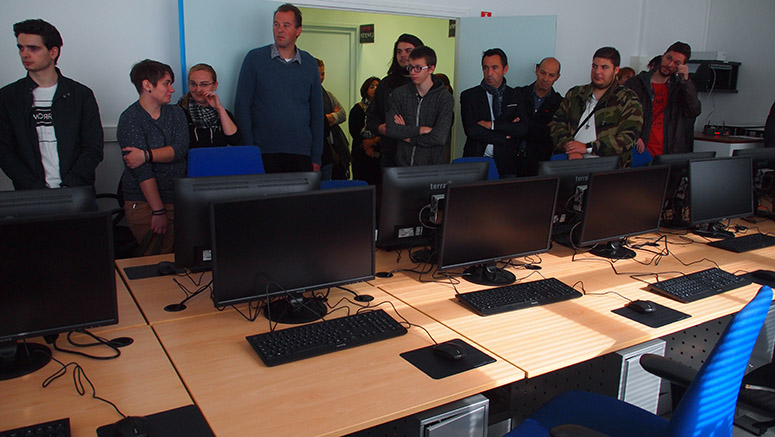 Une école numérique lance sa formation