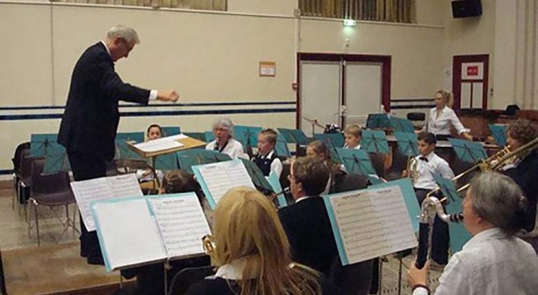 Don pour l'école rurale de musique Maurice Ravel