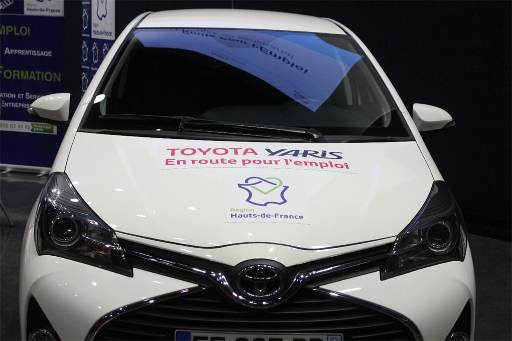 «En route pour l'emploi» avec Xavier Bertrand chez Toyota.