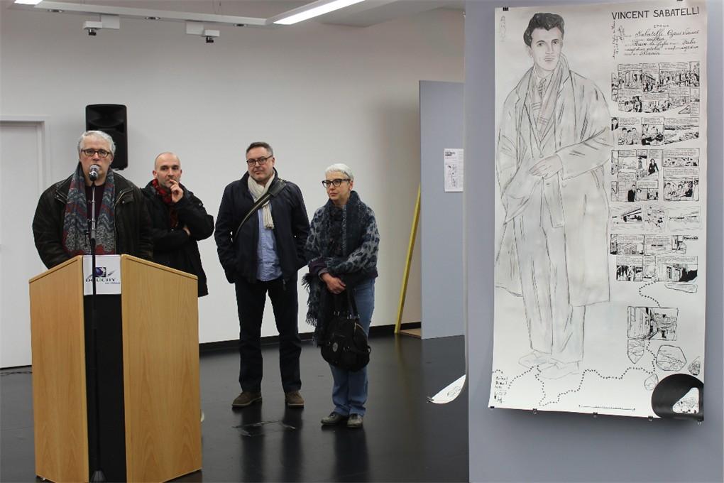 Frédéric Logez dessine son armée des ombres.