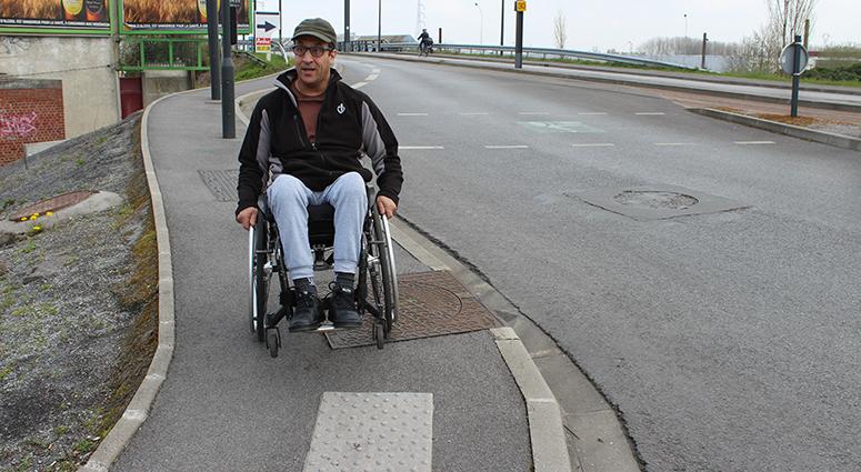 L'inaccessibilité patente du Pont de la Bleuse Borne sur la ligne 2 du tramway