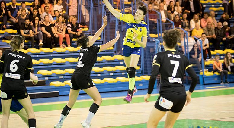 Le handball féminin honoré à Saint-Amand-les-Eaux