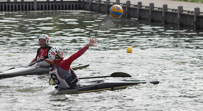 Le Kayak-Polo s'invite au Parc de la Porte du Hainaut