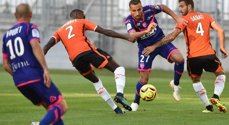 (VAFC) Première défaite en championnat face à Lorient (3-1)