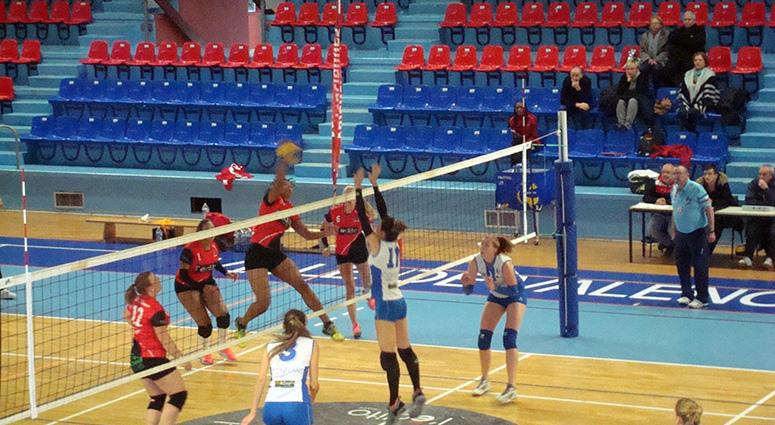(Volley Club de Valenciennes) Première victoire à domicile