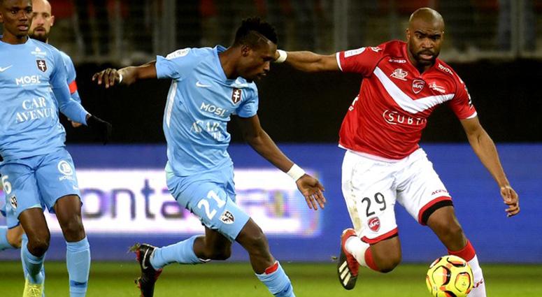 (Football) Valenciennes flirte avec la zone rouge (0-2)