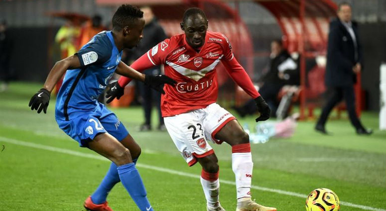 (Football) Victoire du VAFC face à Grenoble (3-2)