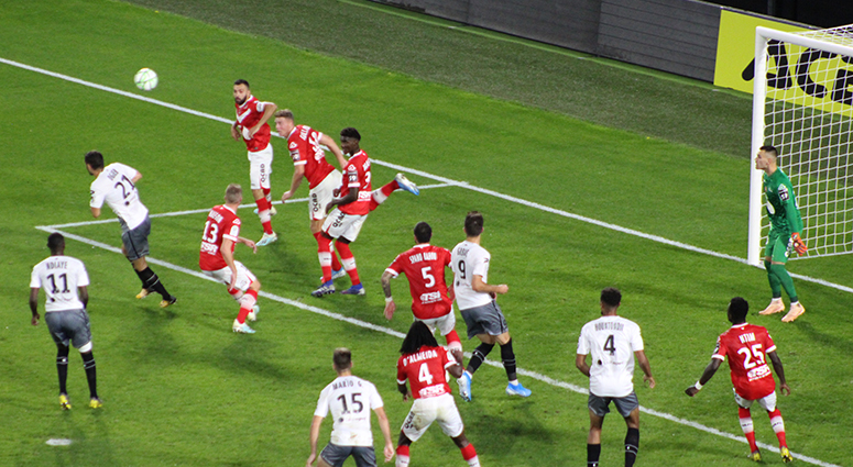 (Football) Valenciennes fait tomber Clermont (1-0)