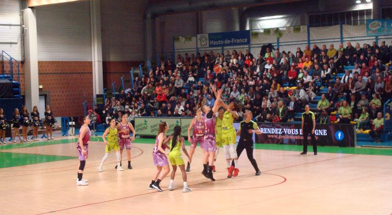 Première victoire à domicile de la saison pour les Hennuyères face à Tarbes (77-65)