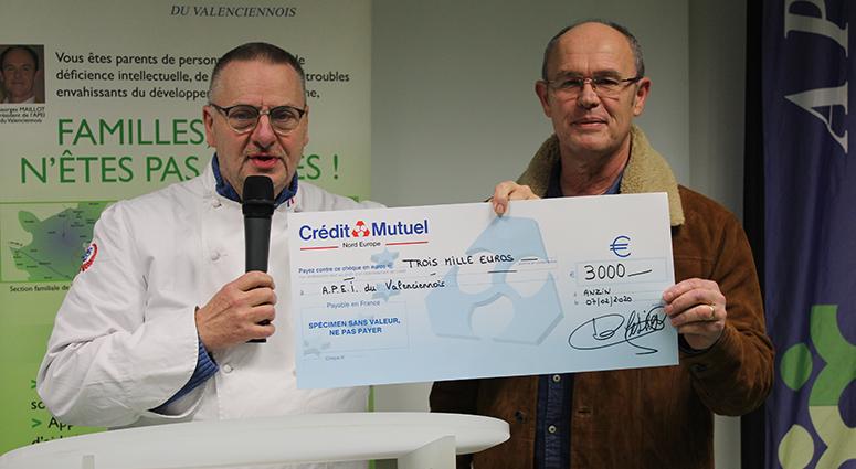 Les Pâtissiers du Hainaut verse 3 000 € à l'APEI du Valenciennois
