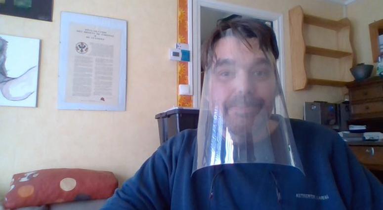 Gilles Rufi fabrique des visières de protection contre le Covid-19