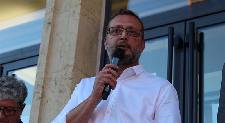 David Bustin résiste à Franck Agah sur Vieux-Condé.